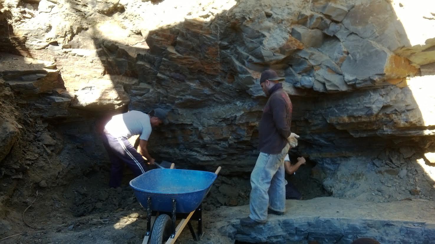ситуация прям как добывают янтарь в крыму Воронежа